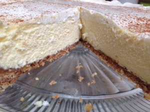 Vanilla cheesecake with a shortbread almond crust