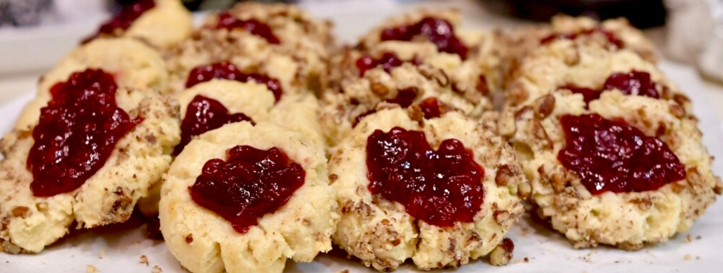 Lingonberry Pecan Cookies